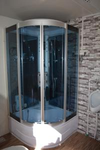 luxury toilets shower cabin